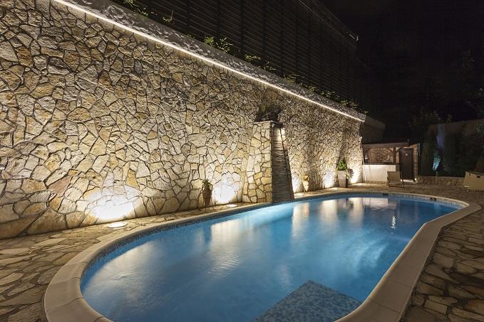 Best Concrete Pool Deck Sealers – Concrete Sealer Reviews
